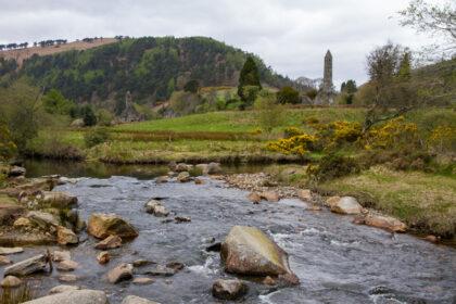 Meren en ruïnes in de Wicklow Mountains