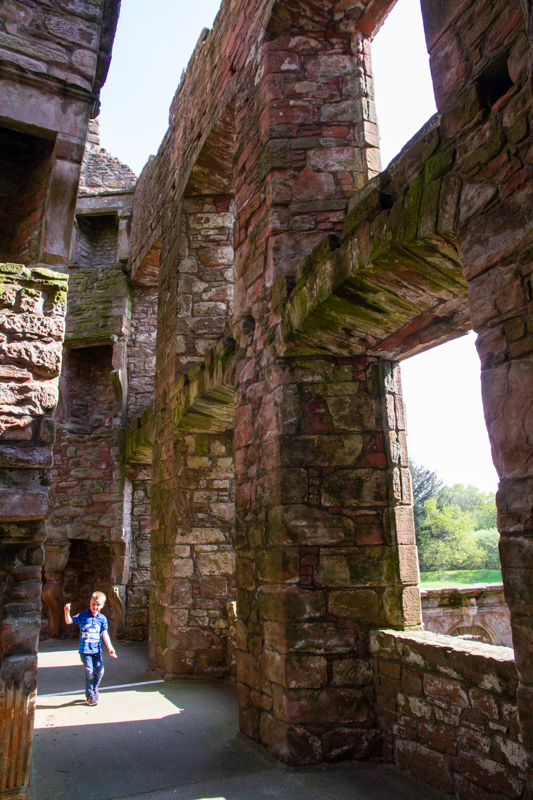 Caerleverock Castle; een knoert van een kasteel