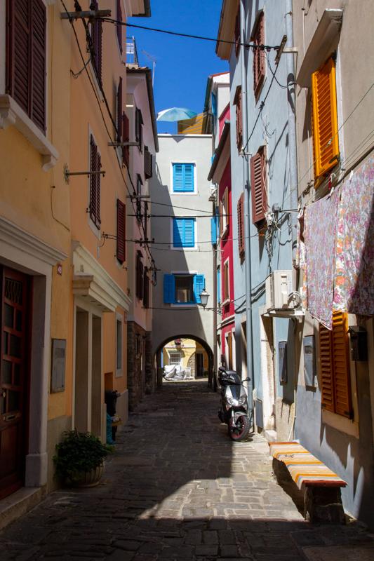 Dwalen door de smalle straten van Piran